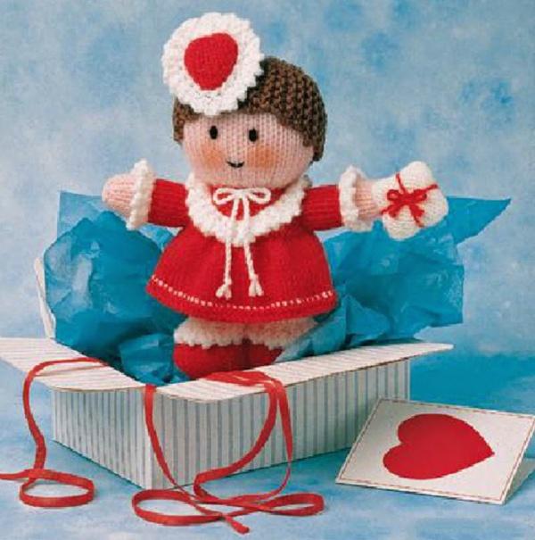 Вяжем игрушку Валентинку спицами