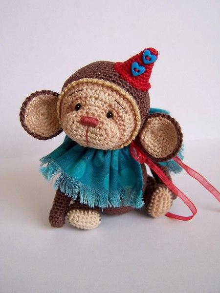 Вяжем обезьянку от Benesak