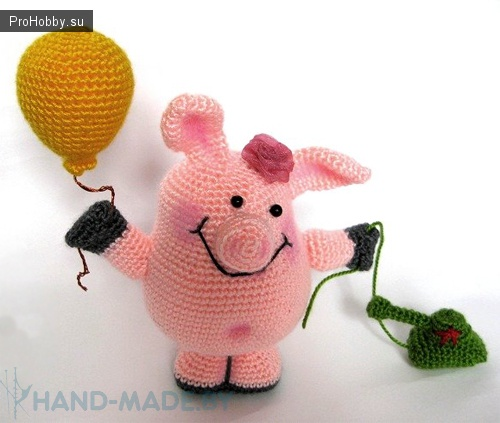Игрушка крючком Свинка