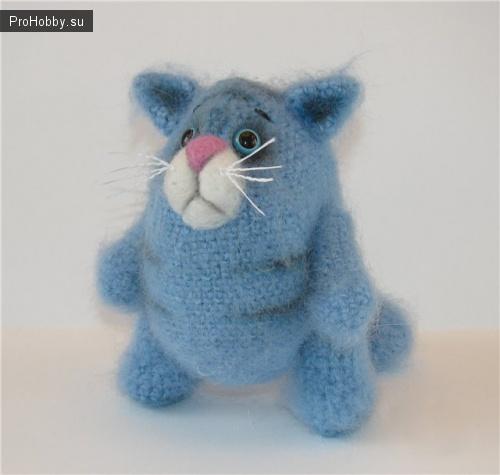 Вяжем крючком кота-обжорика