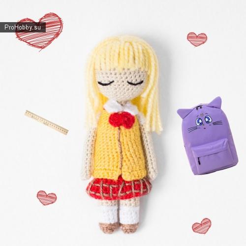 Куколка-школьница крючком в японский форме