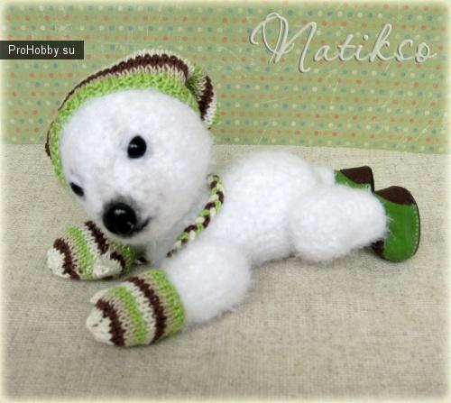 Белый медвежонок Тито