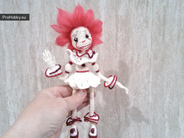 Клоун Пеннивайз, игрушка крючком