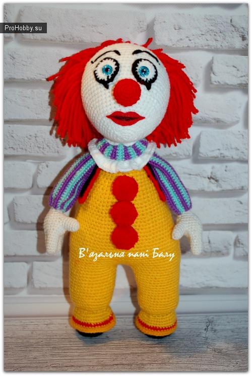 Клоун Пеннивайз крючком